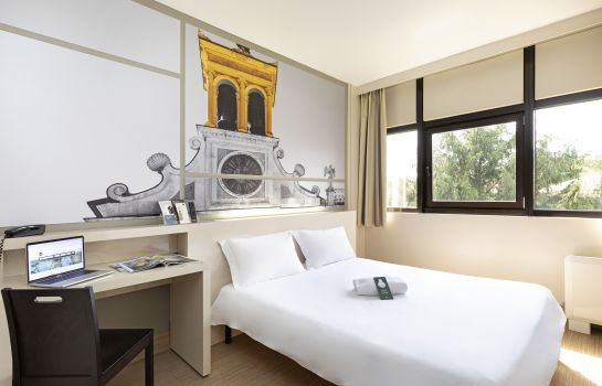 Double room (standard) B&B Hotel Udine