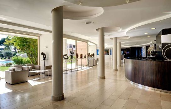 Hall Golden Tulip Rome Airport