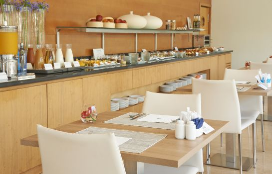 Breakfast room NH Hesperia Barcelona del Mar
