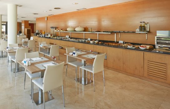 Breakfast buffet NH Hesperia Barcelona del Mar
