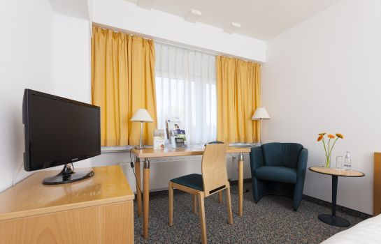 Single room (standard) Akademie-Hotel