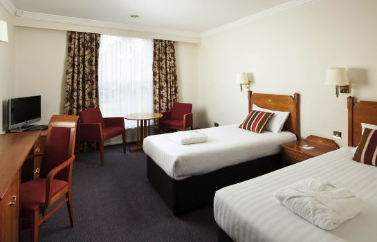 Standard room Mercure York Fairfield Manor
