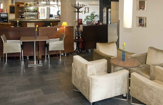 Bar del hotel Novotel Suites Wien City Donau