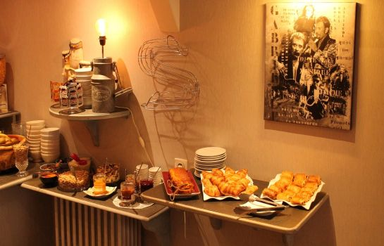 Breakfast buffet Du Dauphin