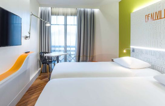 Camera ibis Styles Deauville Centre