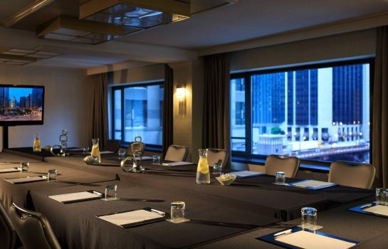 Conference room Renaissance Chicago Downtown Hotel