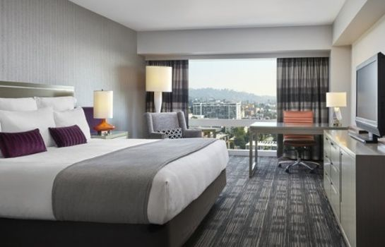 Room Loews Hollywood Hotel