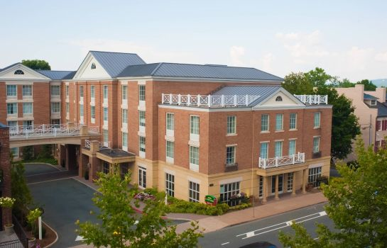 Exterior view Courtyard Charlottesville - University Medical Center