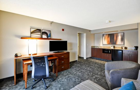 Suite Courtyard Jacksonville Airport Northeast