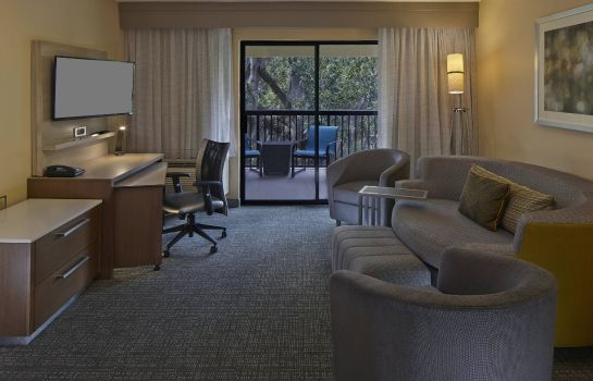 Suite Courtyard Orlando East/UCF Area
