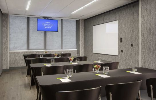 Conference room Fairfield Inn & Suites Chicago Downtown/Magnificent Mile