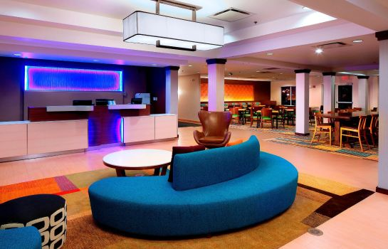 Vestíbulo del hotel Fairfield Inn & Suites Newark Liberty International Airport