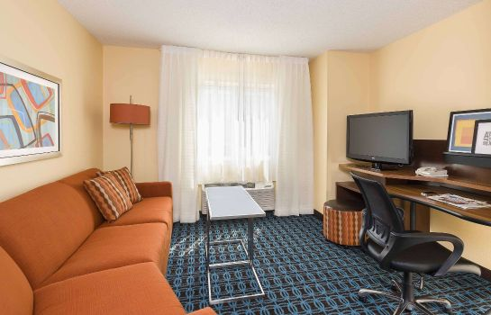 Zimmer Fairfield Inn & Suites Holland