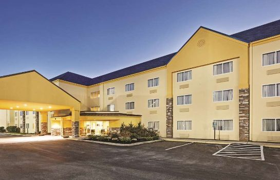 Außenansicht La Quinta Inn & Suites Knoxville Airport