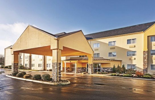 Buitenaanzicht La Quinta Inn & Suites Knoxville Airport
