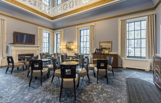 Hotel bar Marriott Vacation Club Pulse at Custom House Boston