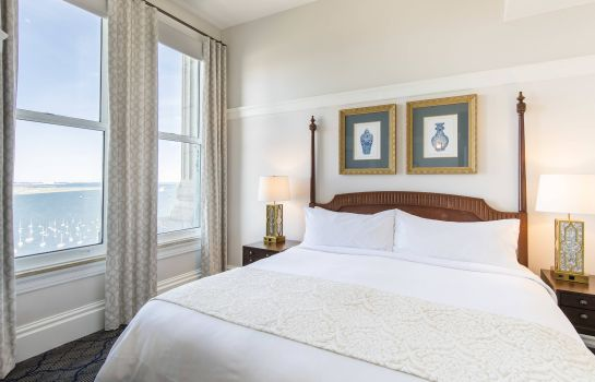 Suite Marriott Vacation Club Pulse at Custom House Boston