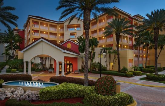 Exterior view Marriott's Villas at Doral