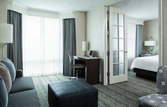 Suite Chicago Marriott Suites Downers Grove
