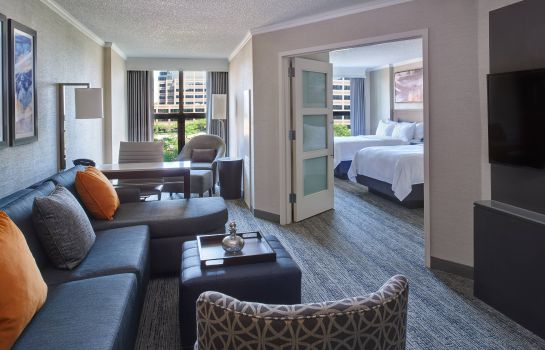 Suite Chicago Marriott Suites O'Hare