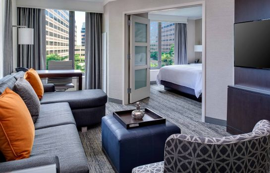 Zimmer Chicago Marriott Suites O'Hare