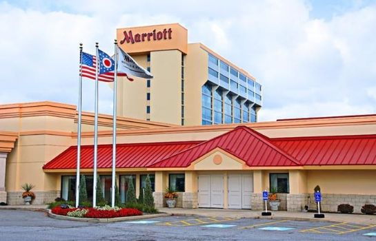 Exterior view Cleveland Airport Marriott