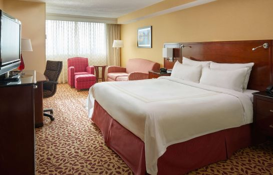 Zimmer Cleveland Airport Marriott