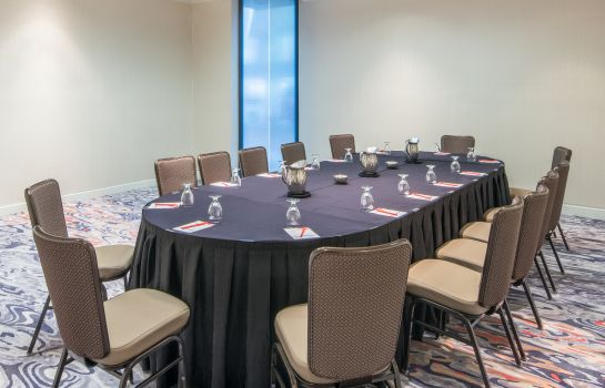 Conference room Crowne Plaza CHARLOTTE EXECUTIVE PARK