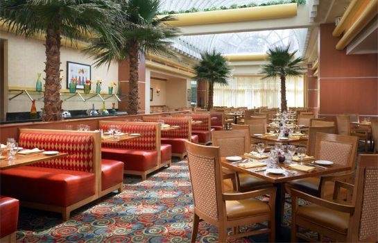 Restaurant Warner Center Marriott Woodland Hills