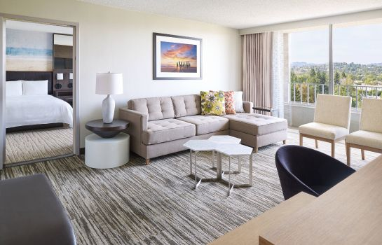Suite Warner Center Marriott Woodland Hills