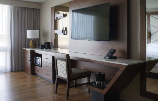Habitación Kansas City Airport Marriott
