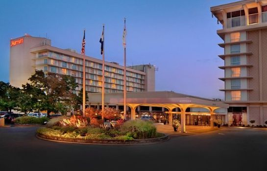Exterior view Marriott St. Louis Airport