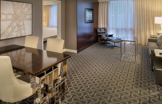 Zimmer Marriott St. Louis Airport