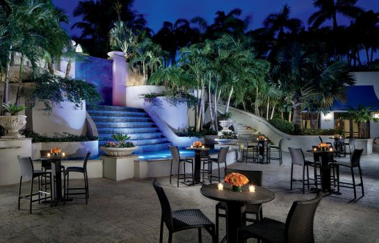 Vista exterior The Ritz-Carlton Coconut Grove Miami