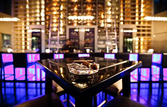Hotel bar Fairmont Dubai
