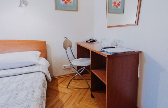 Room Nevsky Central