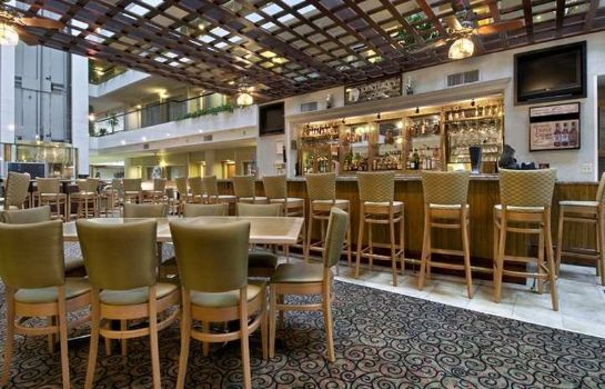 Restaurant Embassy Suites by Hilton Lexington Green
