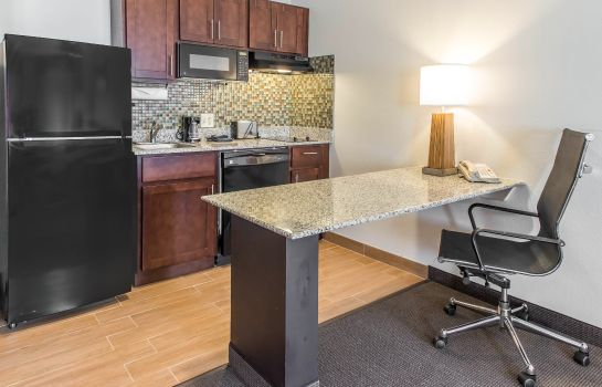 Room MainStay Suites Pittsburgh Airport