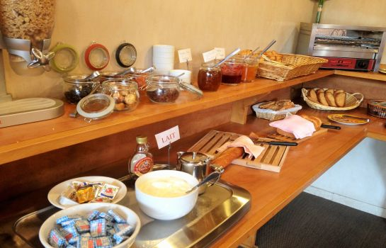 Breakfast buffet Albi  Hôtel Le Cantepau The Originals City (ex Inter-Hotel)