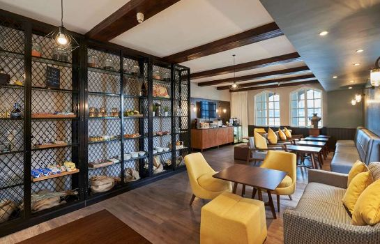 Bar del hotel DoubleTree by Hilton London Docklands