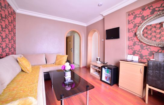 Suite Royal Carine Hotel