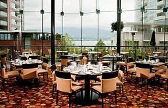 Restaurant Pinnacle Hotel Vancouver Harbourfront