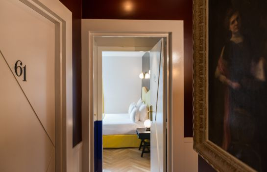Interior view Quality Hotel Malesherbes by HappyCulture