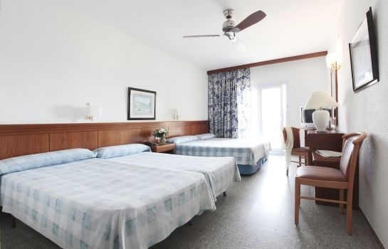 Four-bed room Prestige Goya Park