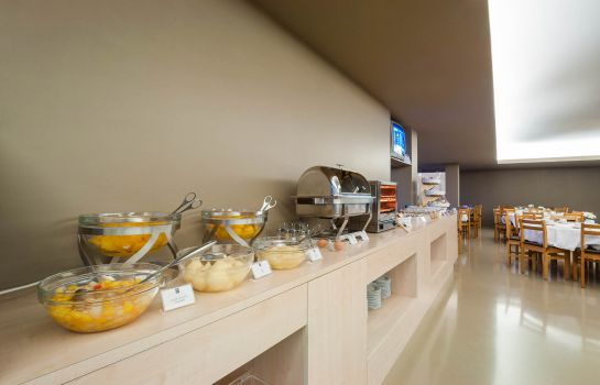Breakfast buffet Hotel Fundador