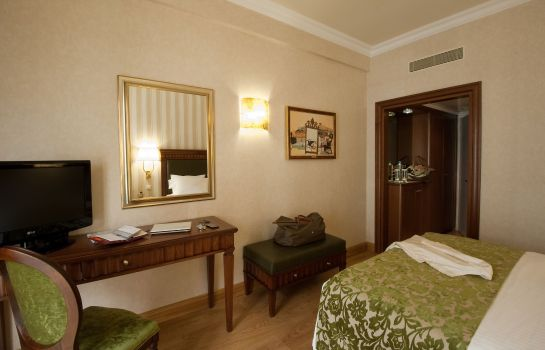 Zimmer Electra Hotel Athens