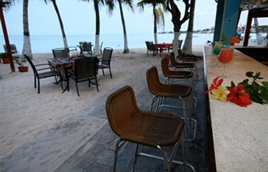 Hotel-Bar Cocoplum Beach Hotel