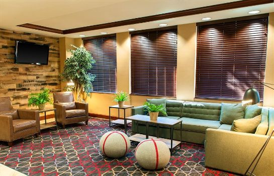 Hotelhalle Four Points by Sheraton Boston Logan Airport Revere