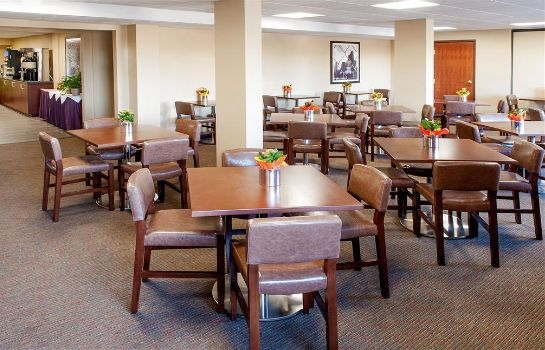 Restaurant Four Points by Sheraton Boston Logan Airport Revere