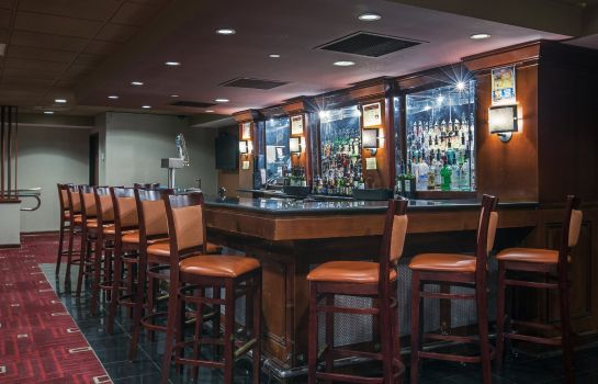 Hotel-Bar Crowne Plaza NEWARK AIRPORT
